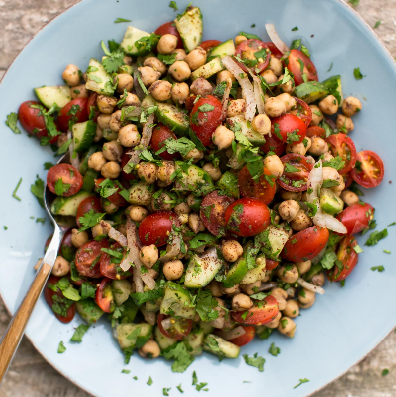 fattoush-salad-with-crispy-chickpeas